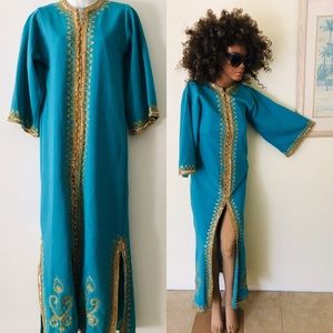 Vintage 70s Turquoise and Gold CAFTAN Medi…